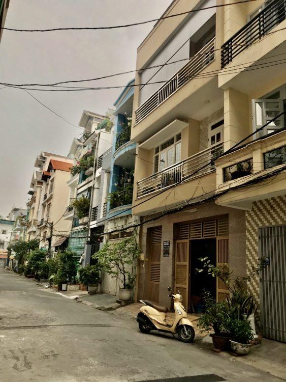Bán nhà gần Nguyễn Thái Bình – Trường Chinh. DT: 5.5 x 17m, nhà 4 tầng đẹp, rộng và thoáng mát