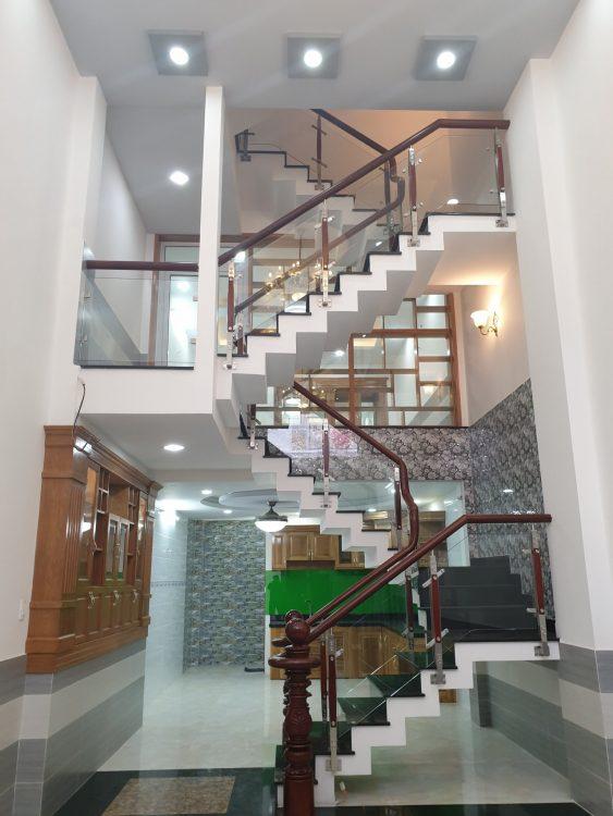Nhà 4 lầu MT đường C27 K300, P12, TB. DT: 4.1x20m