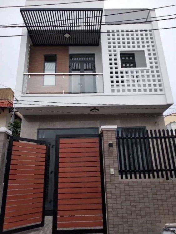 Gia đình đang thực sự cần bán gấp căn nhà HXH 7m đường Đồng Đen , nhà rất đẹp, cách MT chỉ 40m giá 6 tỷ 4 còn TL.