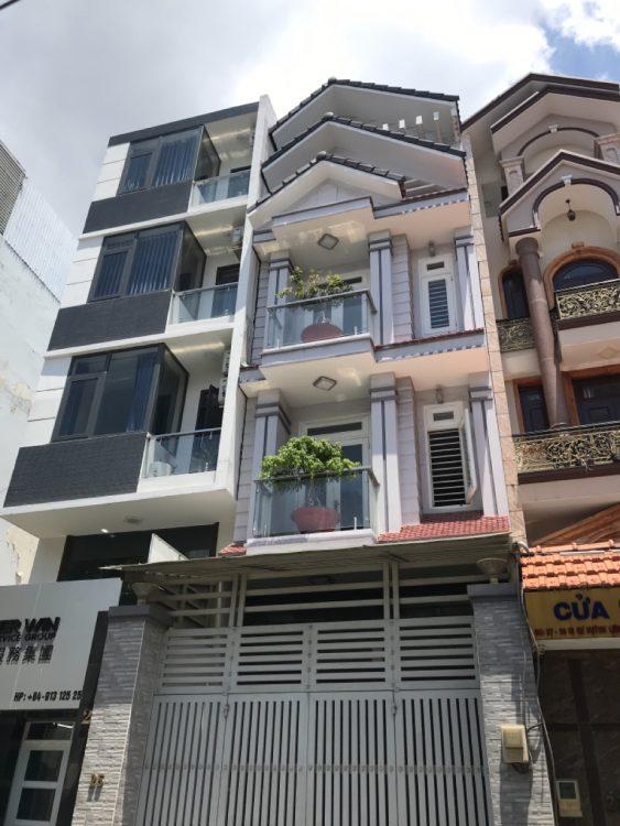 Bán nhà trong khu biệt thự gần sân bay, diện tích 4.2 x 18m, kết cấu 5 tầng, giá 13 tỷ