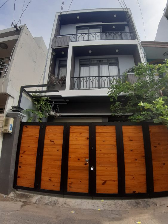 Bán nhà đẹp 3 tầng hẻm thẳng cách mặt tiền Nguyễn Hồng Đào 20m, DT: 4 x 15m, giá chỉ 7 tỷ hơn