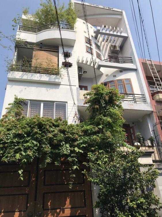 Nhà đẹp trung tâm, bán nhà đường Thiên Phước DT: 4.5x15m nhà 3 tầng, công nhận 60m2 chỉ hơn 8 tỷ