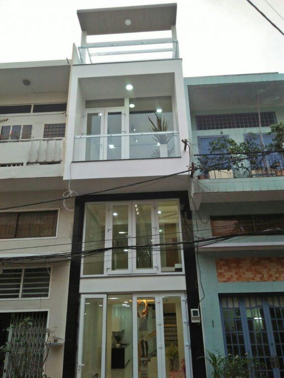 Bán nhà mới xây siêu đẹp (5.3x15m) giá 8.2 tỷ đường Phạm Văn Hai khu sầm uất phường 3, TB