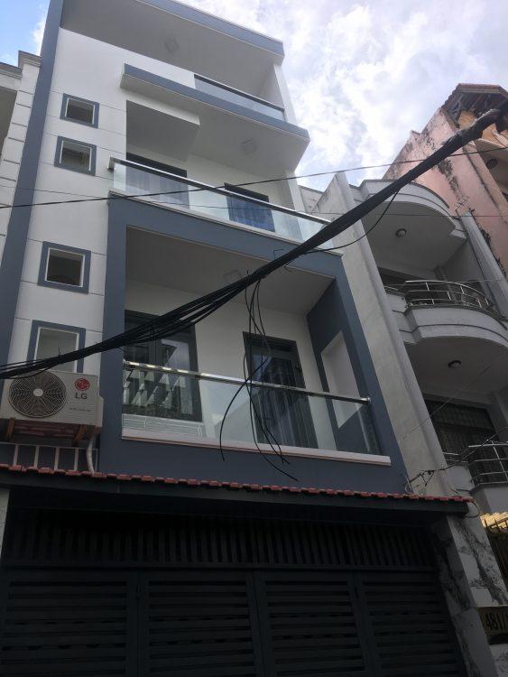 Bán nhà HXH đường Trường Chinh. Công nhận 58m2 đất, nhà đẹp 3 tầng vào ở ngay. ô tô ngủ trong nhà