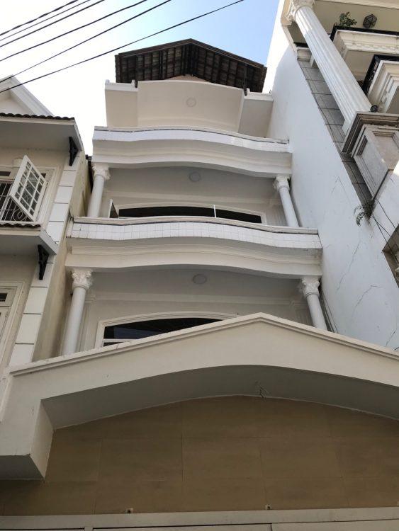 Nhà đẹp 3 tầng Nguyễn Hồng Đào – Bàu Cát, DT: 4x17m nhà còn mới có thể ở ngay chỉ hơn 7 tỷ