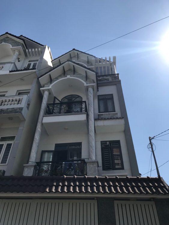 . Bán nhà đường Bàu Cát 1, DT 4 x 14m, trệt 2 lầu ST, đang cho thuê 20tr/tháng