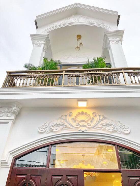Bán nhà HXH 8m đường Nhất Chi Mai, P13, Tân Bình. DT 5 x 18m, nhà 2 tầng đẹp, khu sang trọng