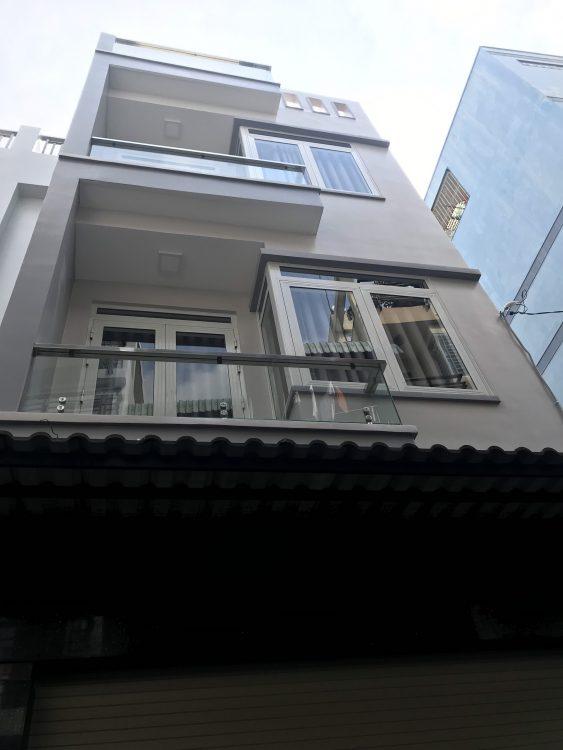 Nhà HXH Ni Sư Huỳnh Liên. Trệt, 2 lầu, sân thượng