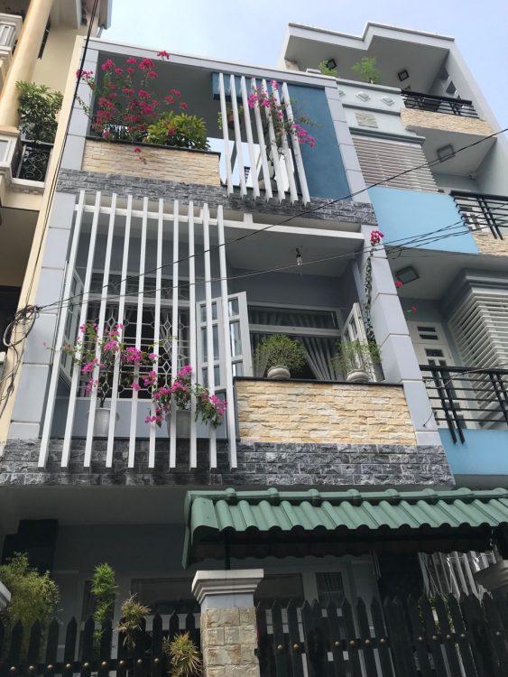 Cần Bán nhà có 8 phòng trọ cho thuê, DT 69,42m2, đường Văn Chung, Phường 13, Quận Tân Bình, Tphcm