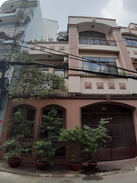 Bán nhà HXH Lạc Long Quân, Phường 8, Quận Tân Bình, Diện tích 4,5x8m, giá 5,6 tỷ (TL)