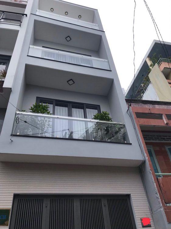 Bán nhà hai căn , căn đôi hẻm lớn 38 Đồng Đen , dt lớn 91 m2, bao gồm 2 căn liền nhau : Một căn đang ở, một căn cho thuê.