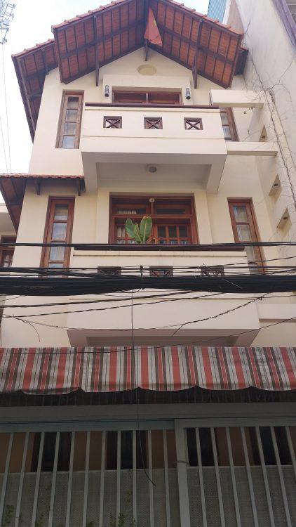 Bán nhà HXH 12 mét khu Hoàng Hoa Thám – nhà Ga T3. Nhà 2 lầu, (5x12m) 3WC, 3PN, gara ô tô trong nhà