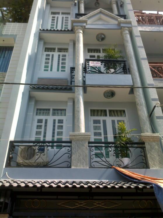 Kẹt tiền làm ăn nên chủ nhà quyết định bán căn nhà riêng đang ở tại khu dân trí cao, sạch đẹp tại Nhất Chi Mai, Phường 13, Diện tích: 4×16,5m, Giá: 12 tỷ 600 (TL)
