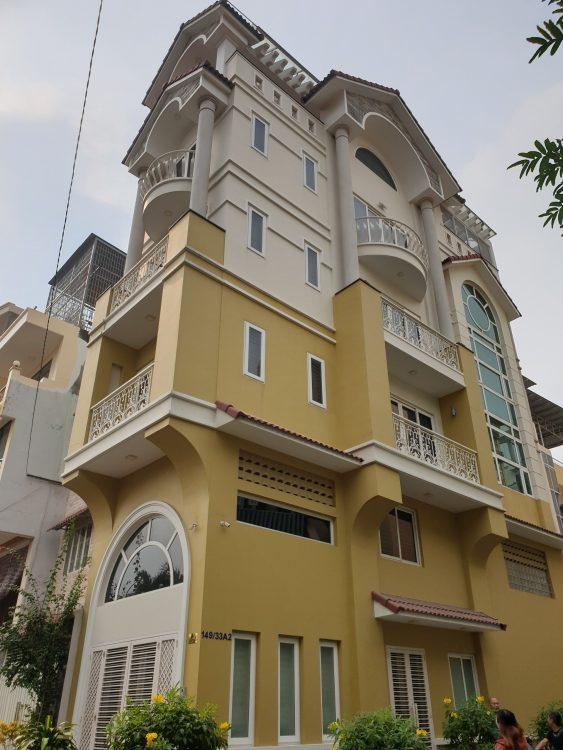 Bán nhà hẻm 8m đường, Hoàng Hoa Thám, P. 12, Q. Tân Bình. DT: 4 x 14m 3 lầu giá 9.9 tỷ.